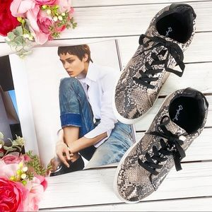 NEW Qupid Faux Snakeskin Chunky Sneakers 8